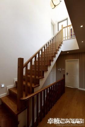 复式楼实木楼梯效果图