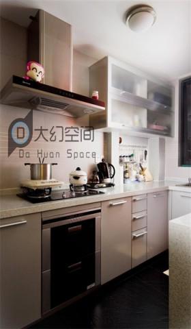 > 一字型厨房装修效果图