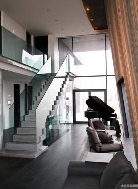 > 别墅u型楼梯